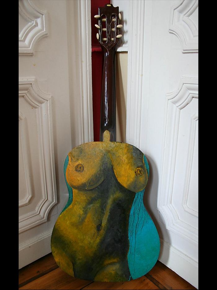 nude_guitar-ii-2012